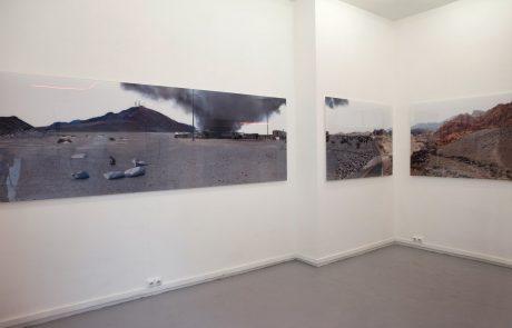 Jacob's mirage park - Impression murale / tirage C. print sous diasec 7m 60 x 1m / installations mécanisées rotatives / capteurs de vibration / module sonore