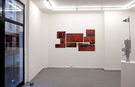 POSTURE - Tirages C. print sous cadres divers formats / Sceptre technique mixte - François Ronsiaux